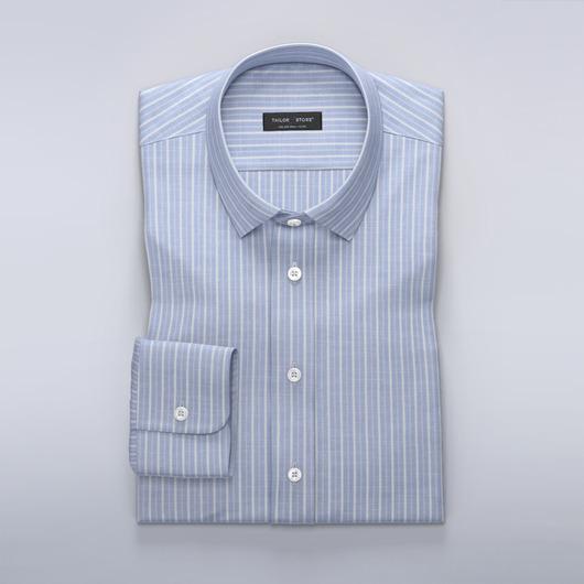 Chemise aérée en bleu clair à rayures