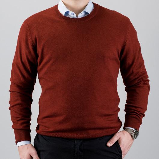 Rød sweater i merino uld med rund hals
