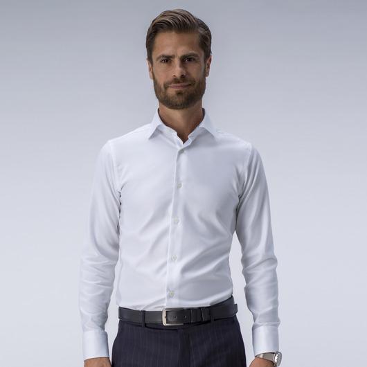 Biała koszula z kontrastami