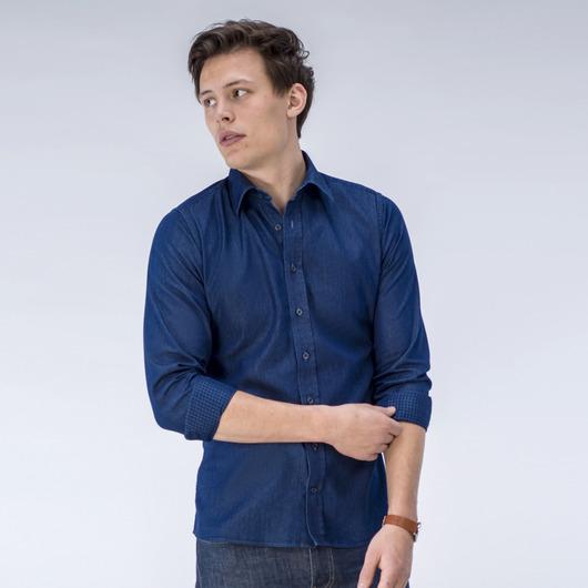 Denim-Hemd mit einer karierten Rückseite